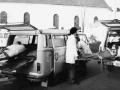 bensberg_-_malteser_hilfsdienst_-_1980_evakuierungsmassnahmen_beim_brand_im_altenheim_des_kardinal_schulte-hauses